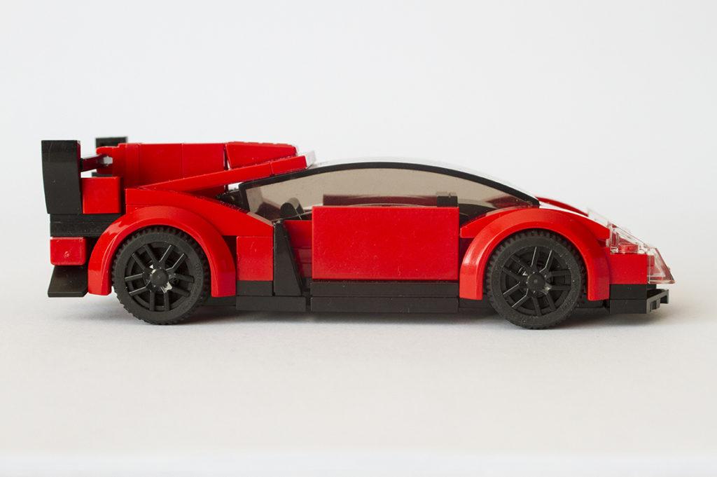 Lamborghini-Veneno-side-view
